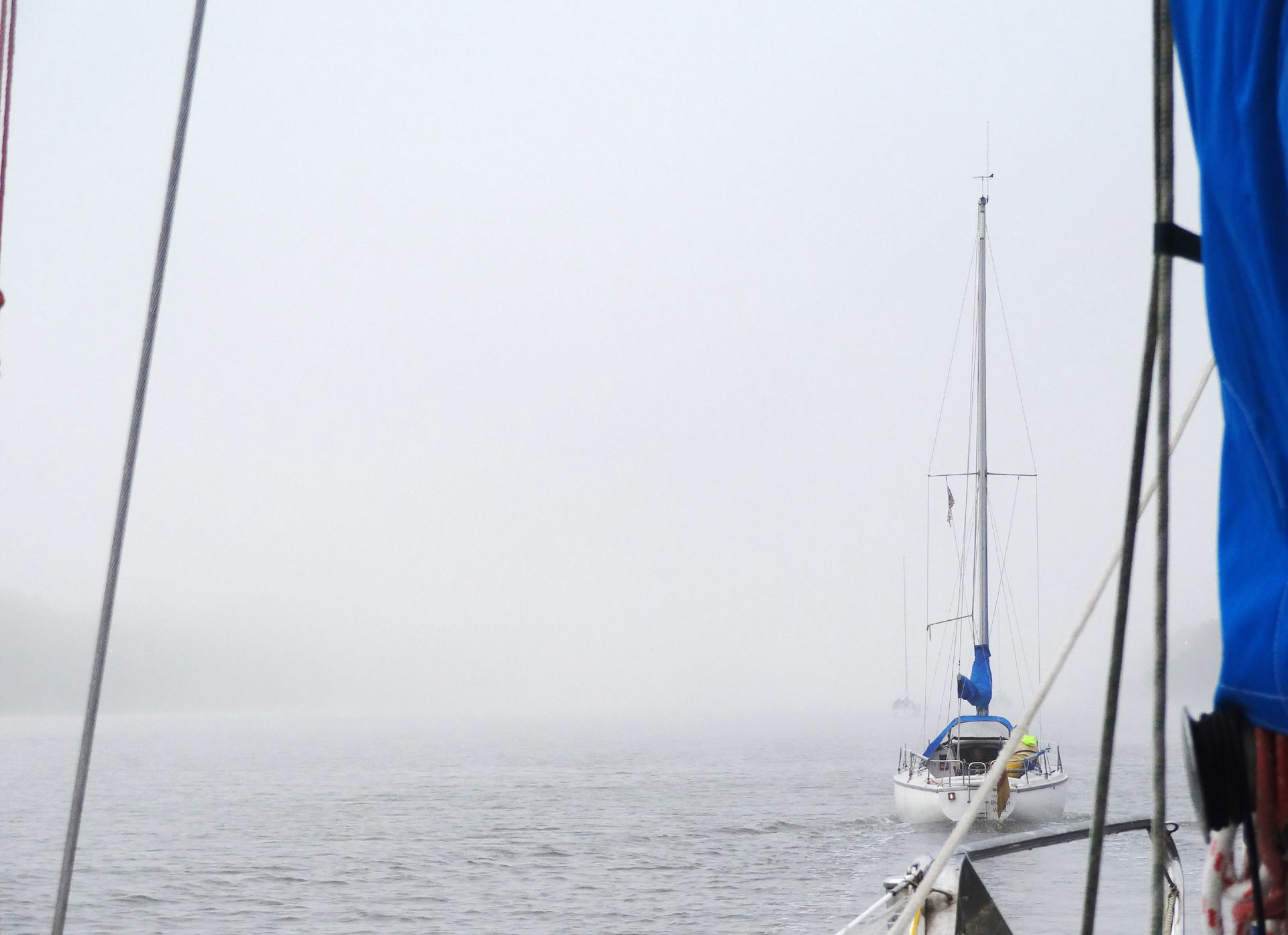 Fog in Kiel Canal - a bit more and the Channel would stay closed for us.