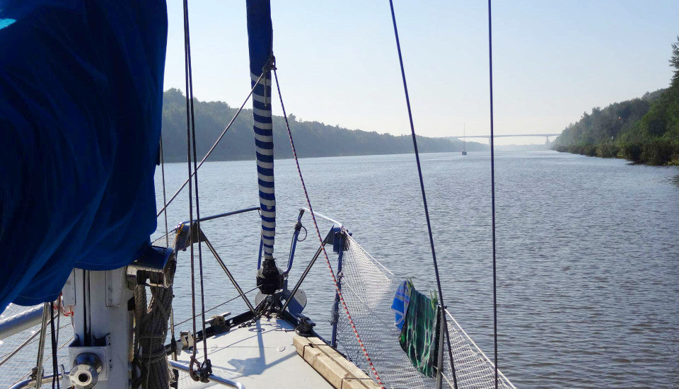 06_channel-engine-yacht