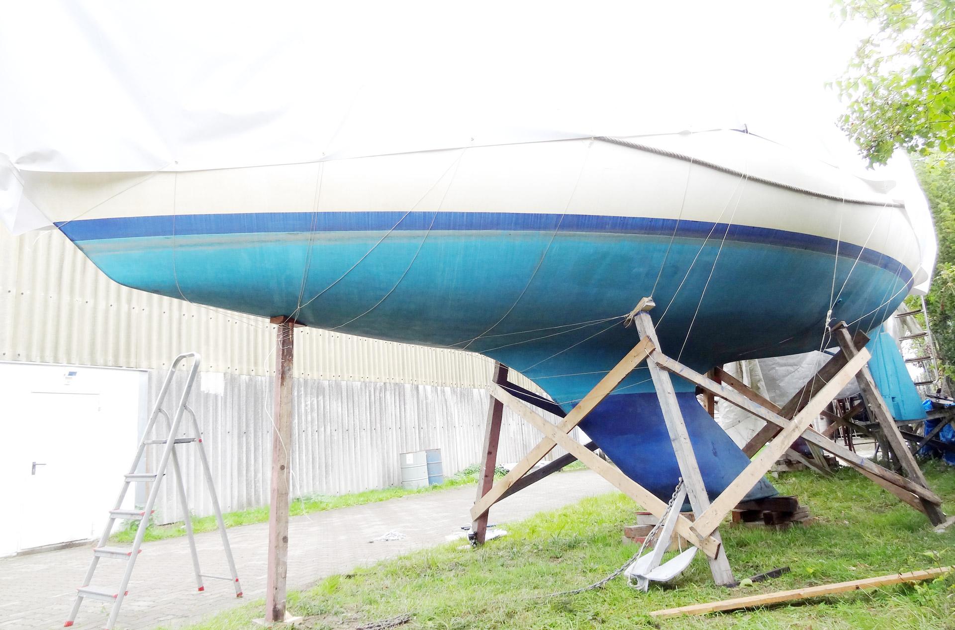 Tarpaulin for sailing yachts: Is DIY an alternative?