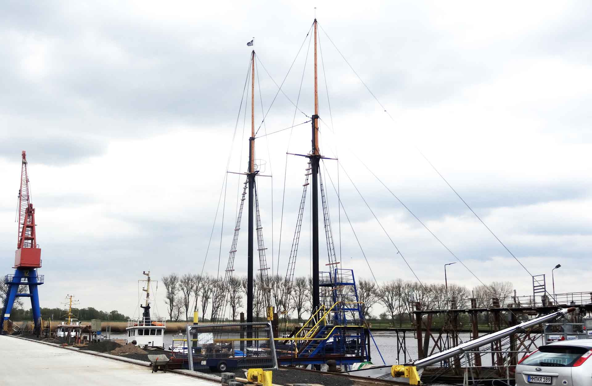 Yard Elsfleth at the River Weser. Two Masts clearly visible.