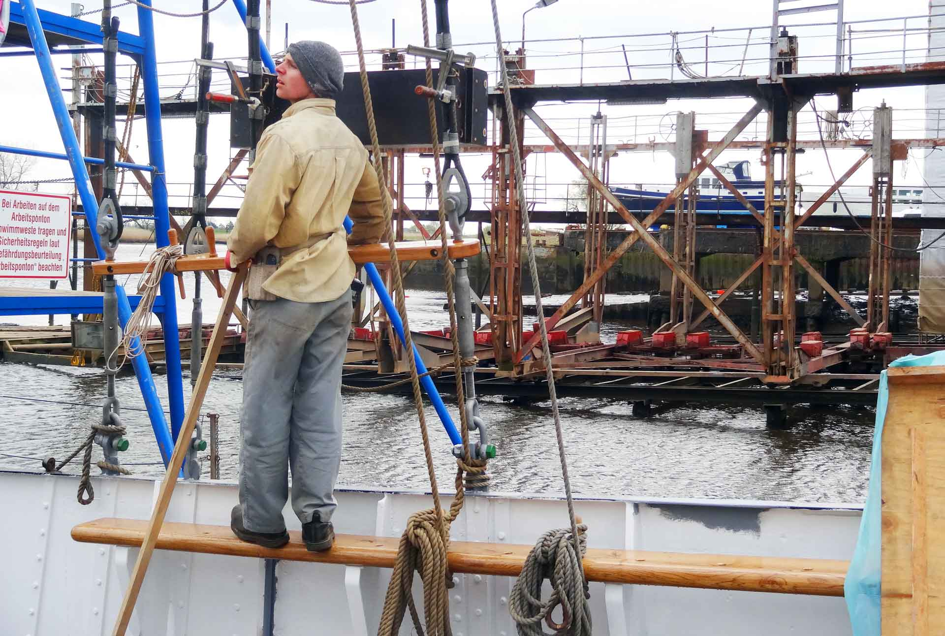 """The Ship´s Master Carpenter: """"Everything done here, locally and by hand."""""""