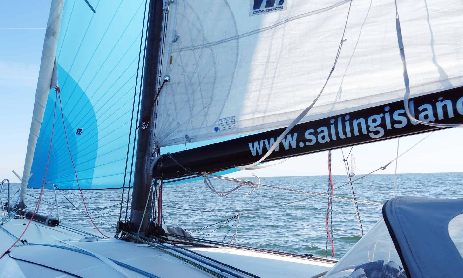 gennaker-sailing-yacht-pogo-40