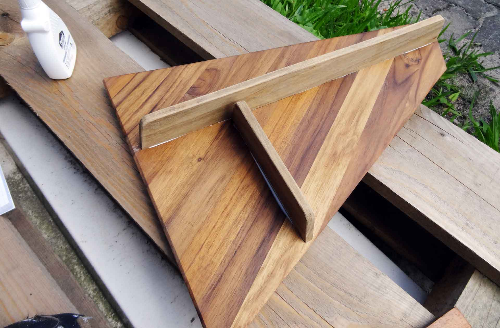 The raw Teak made Inlay for the old Head´s Sink