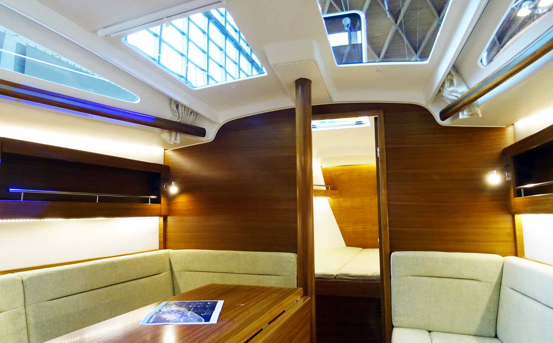 A bright and light suffused saloon