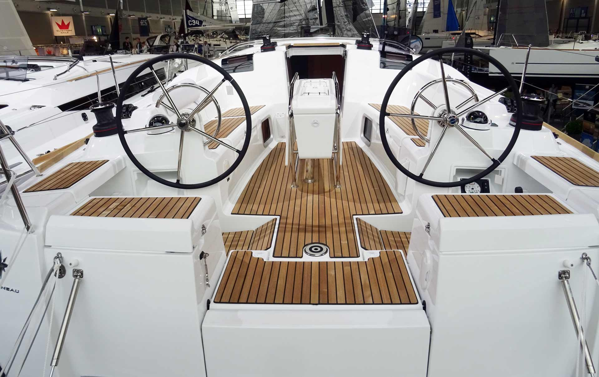 The cockpit seems well made for sailors