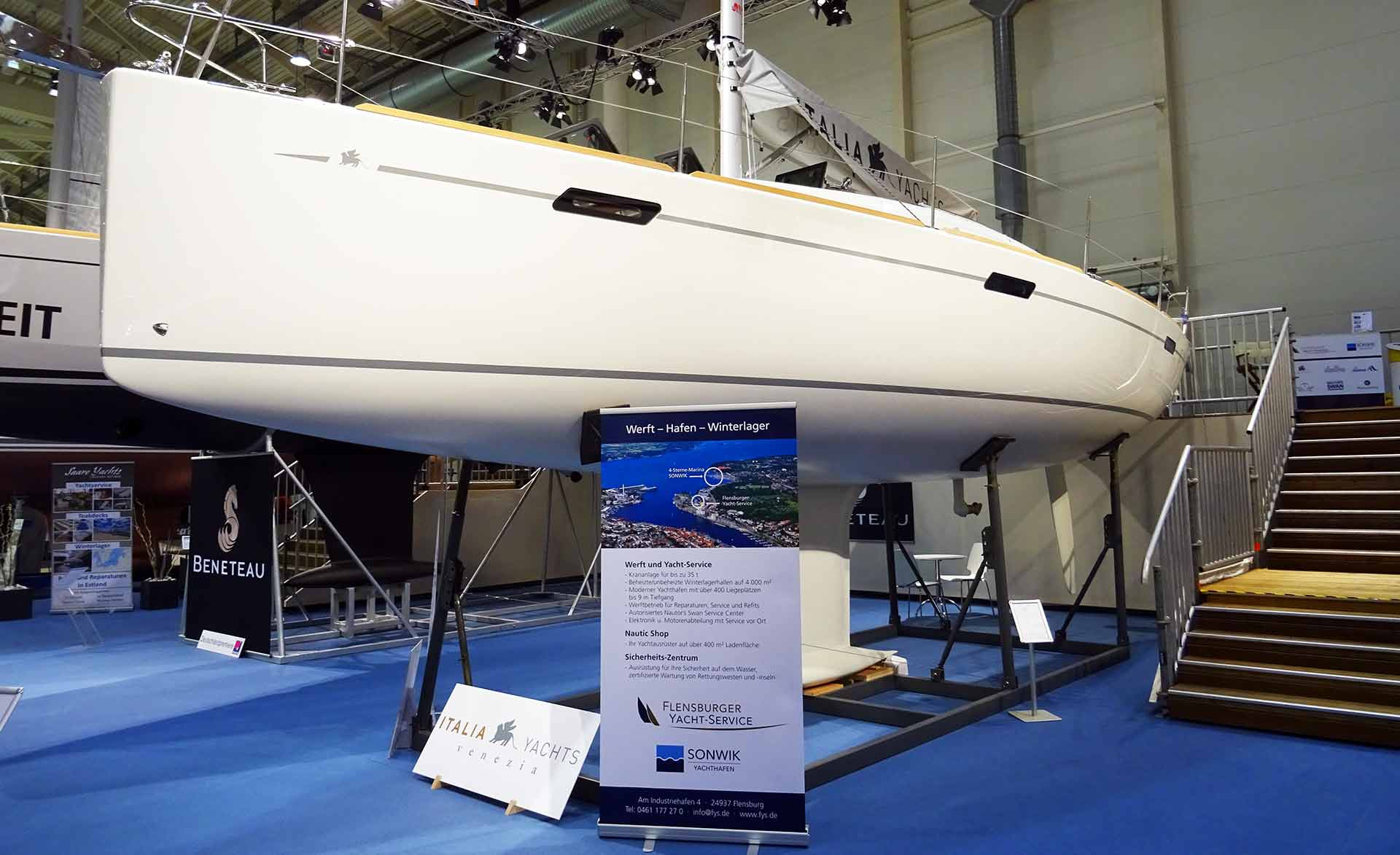 Clearly a fast cruiser - Italia Yachts 10.95