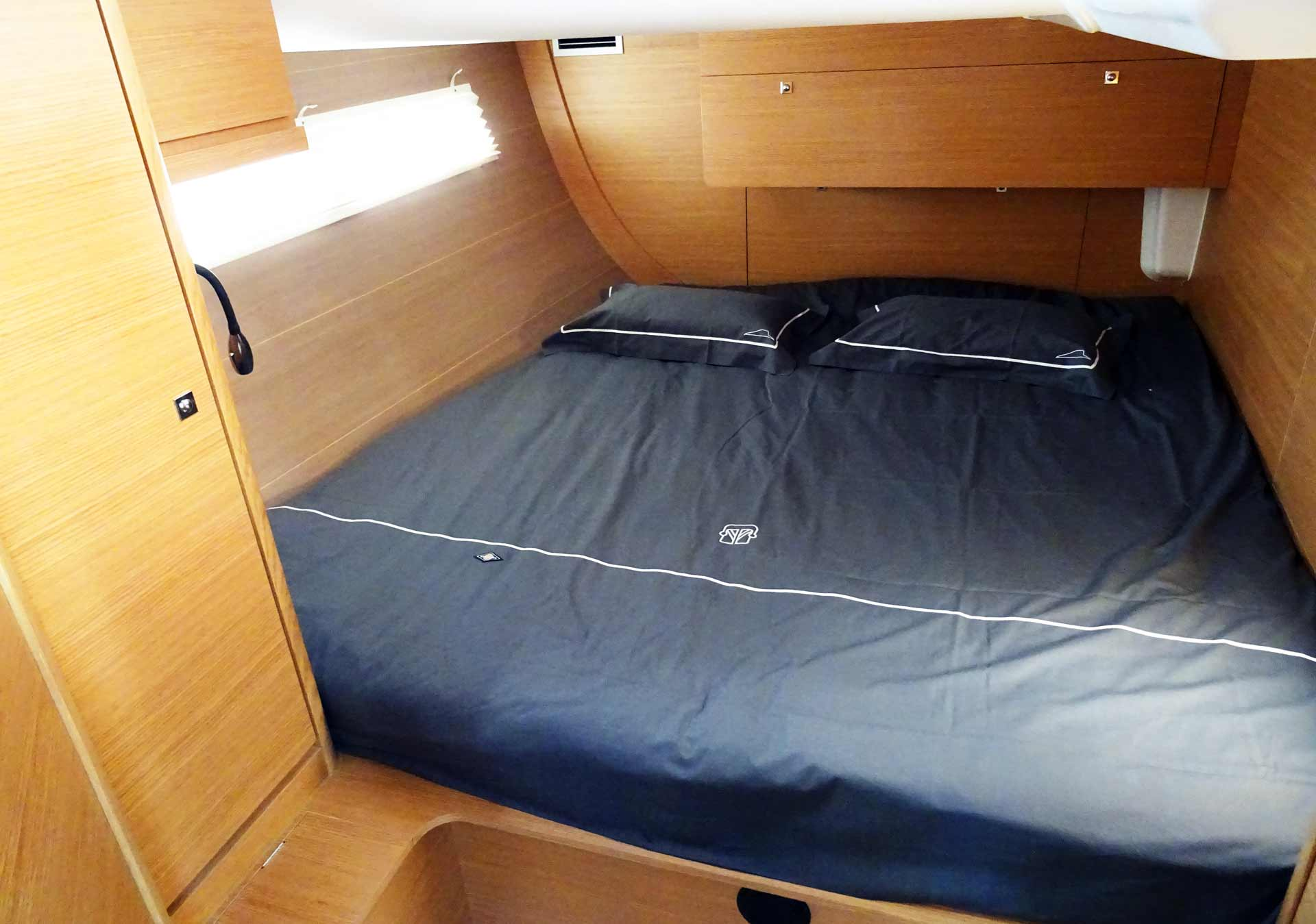I never saw more headroom for an aft cabin than in this yacht.